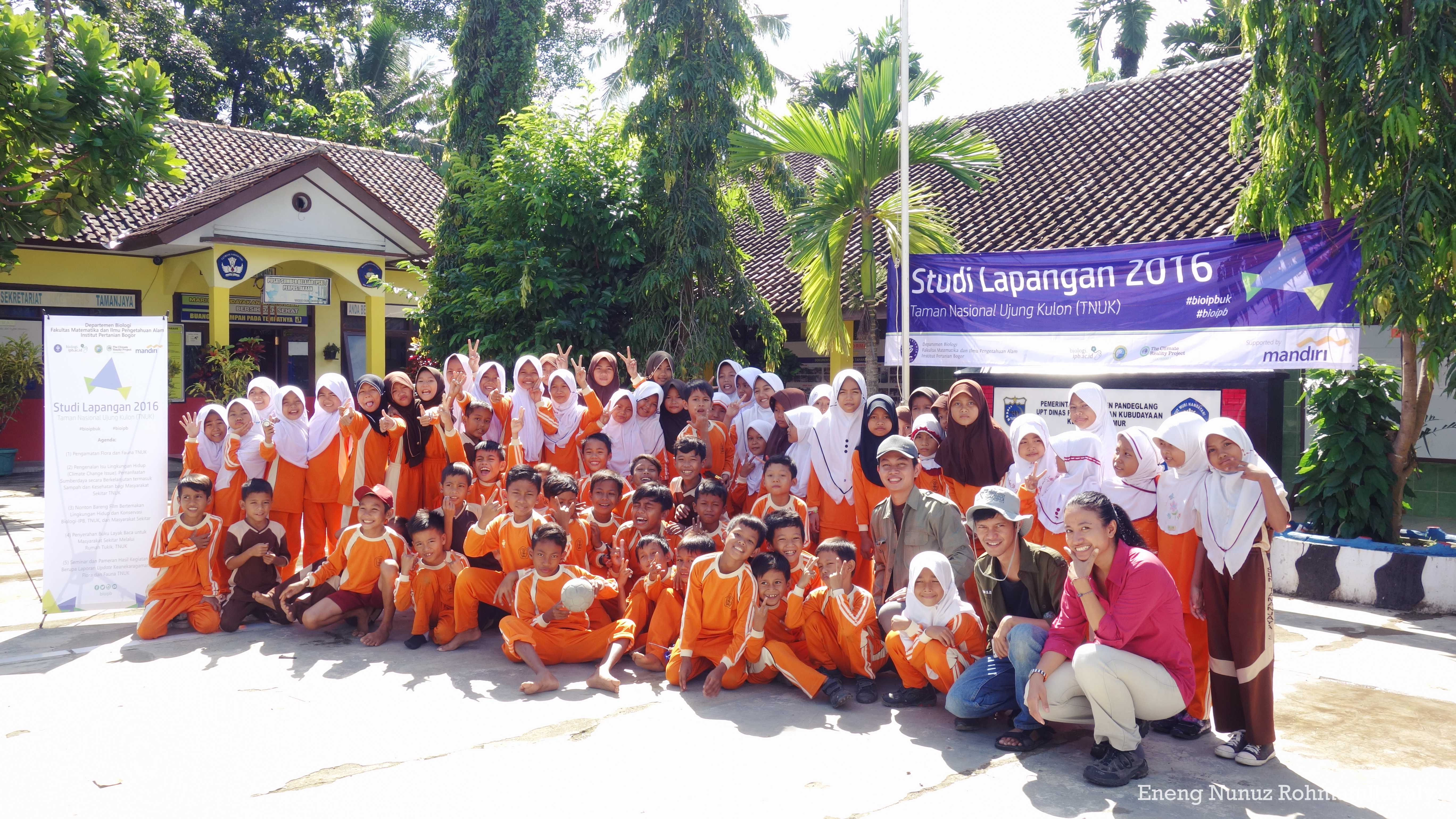 SL Story (1): Let's Play with Elementary School Students